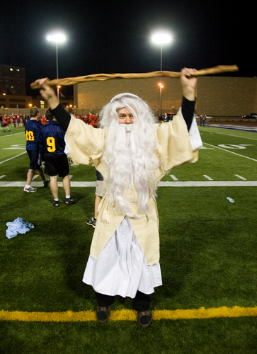 SPSSOD seminarian Allan Paul Eilen dressed as Moses during the 2007 Rector's Bowl.